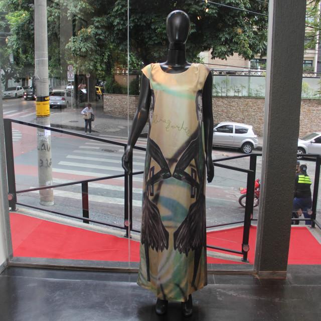 Aline Sanches - Galeria Vignoli Fine Art